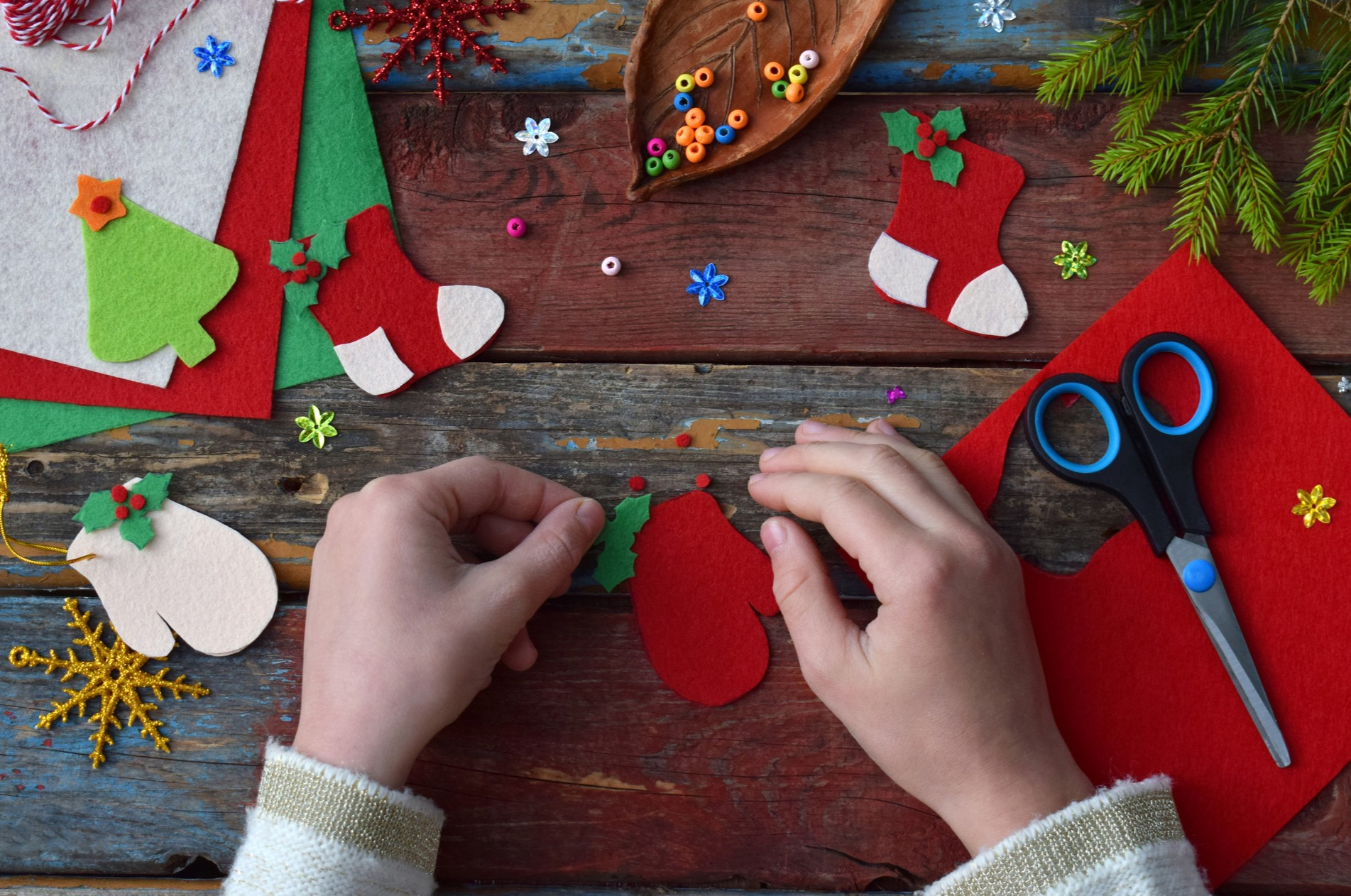 Maker Workshop: Artsy Ornaments